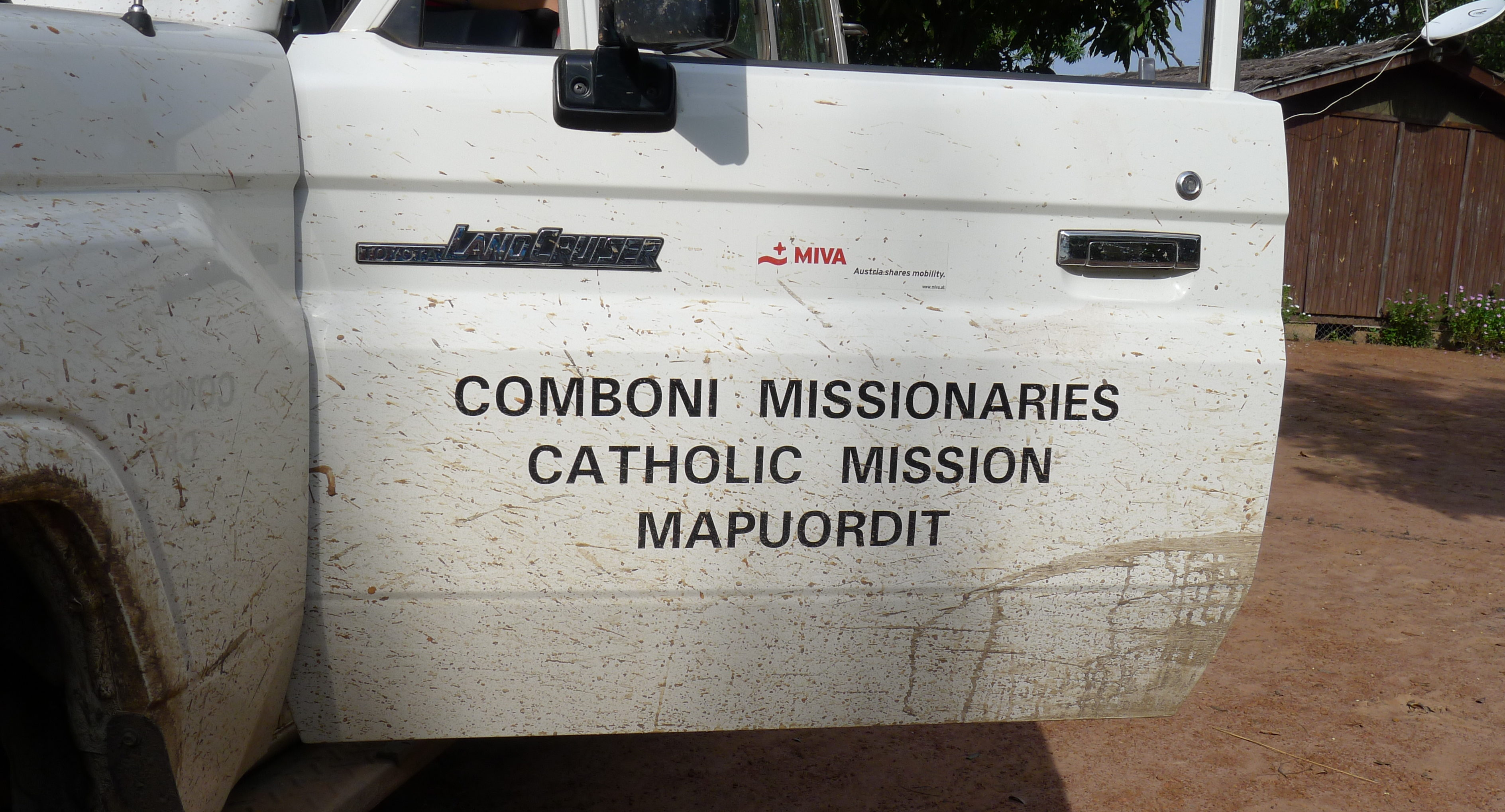 (English) [:de}Comboni Missionaries - Autotür Comboni Missionaries - Car door